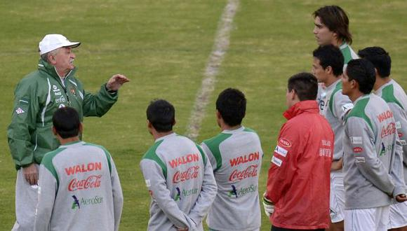 Xabier Azkargorta  dirigió los entrenamientos en la ciudad de Santa Cruz. (AFP)