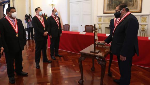 Nuevo presidente del Jurado Nacional de Elecciones juró al cargo este sábado. (Foto: Andina)