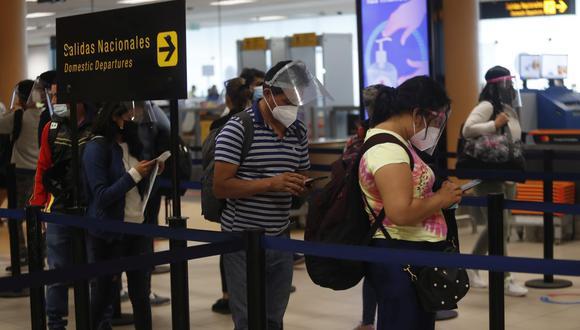 Macchiavello estimó que de levantarse estas medidas para abril, se podrían recibir hasta junio 200 mil pasajeros.  (Foto: Hugo Perez / GEC)