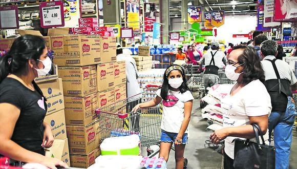 Los supermercados enfrentaron una alta demanda apenas comenzó el Estado de Emergencia. (Foto: GEC)