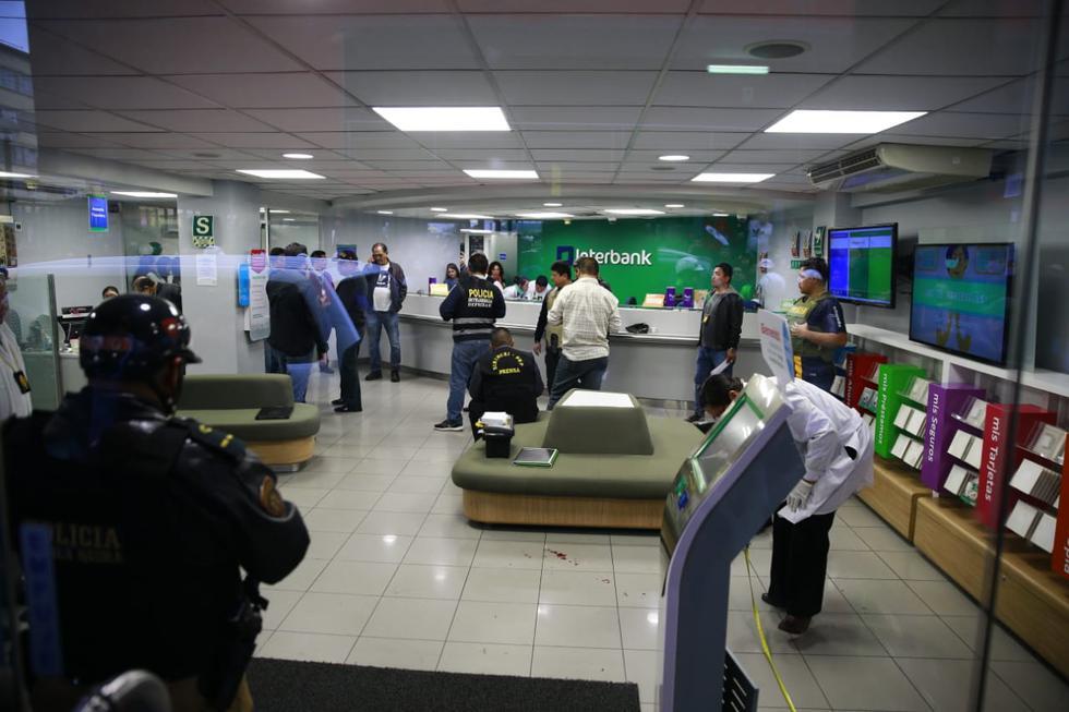 Policía frustra asalto a entidad financiera de Interbank en Breña. (Allen Quintana)