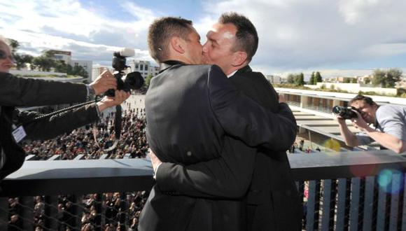 Francia: Siete mil parejas homosexuales se casaron en 2013. (AFP)