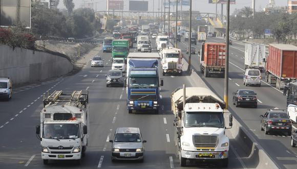 Unidades de carga transitaron por los cuatro carriles de la carretera Panamericana Sur. (Foto: Piko Tamashiro/GEC)