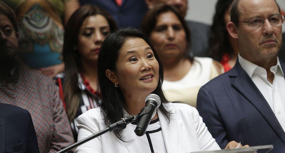 Pese a ello, Kenji Fujimori estuvo presente en la primera presentación pública de Keiko tras su derrota electoral. (Foto: GEC)