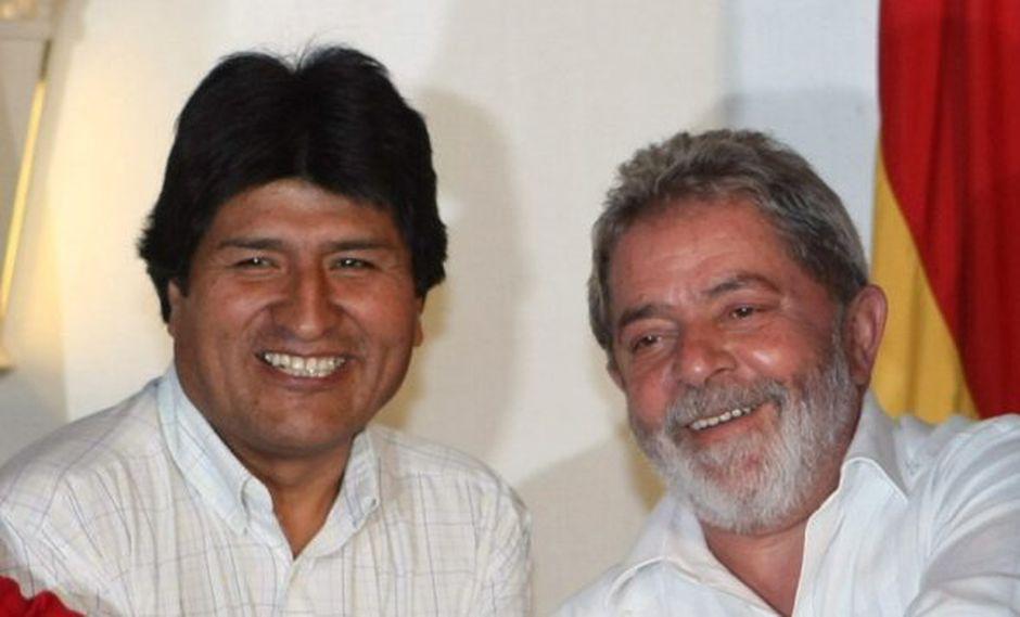 """Evo Morales felicitó a Lula da Silva, que """"nombró"""" a su acompañante de fórmula Fernando Haddad, como candidato a la presidencia de Brasil por el Partido de los Trabajadores. (Foto: EFE)"""