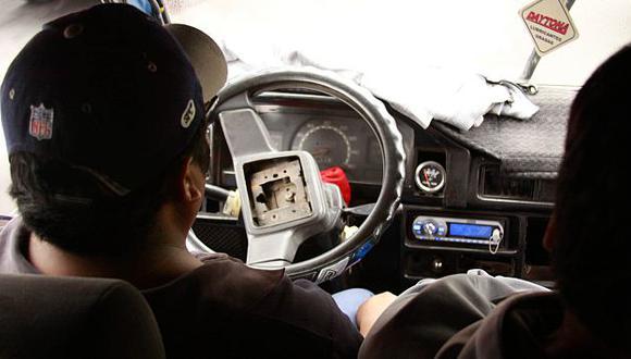 Transporte público sí puede utilizar radios durante servicios. (Perú21)