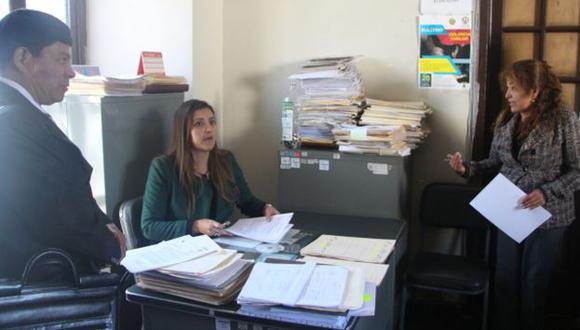 Gobernadora regional de Arequipa pide garantías en la prefectura.