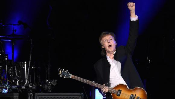Paul McCartney hizo dueto con Neil Young.  (AFP)