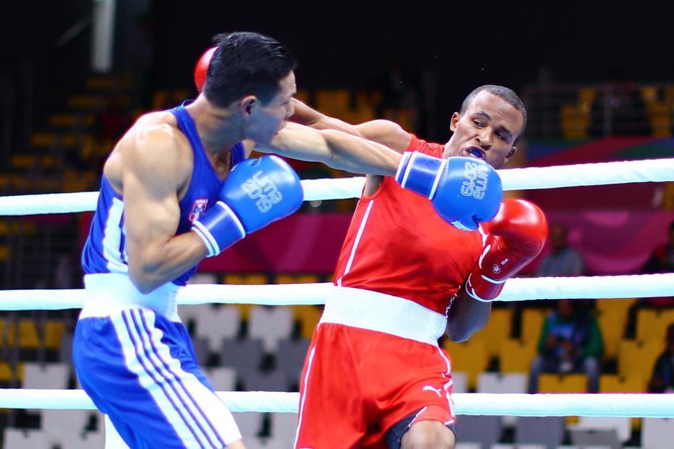 Leodan Pezo obtuvo la medalla de bronce tras perder con su rival cubano en Boxeo. (Daniel Apuy)