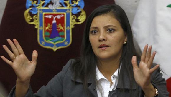 Gobernadora regional de Arequipa contenta con Humala. (USI)