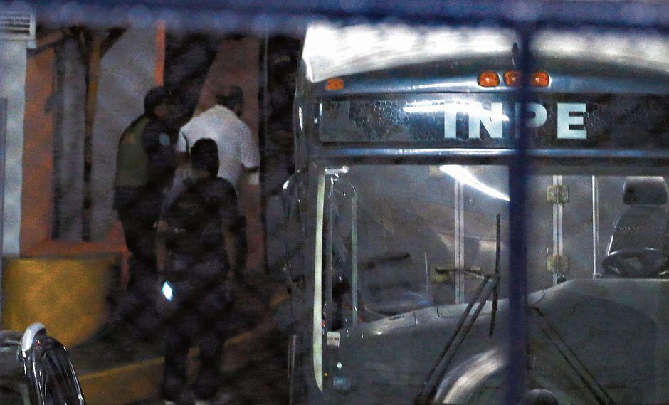 RUMBO A prisión, otra vez. Nava Guibert ya había estado en la cárcel en 1993, tras ser acusado de dejar en la quiebra a Mutual Perú. (Mario Zapata)