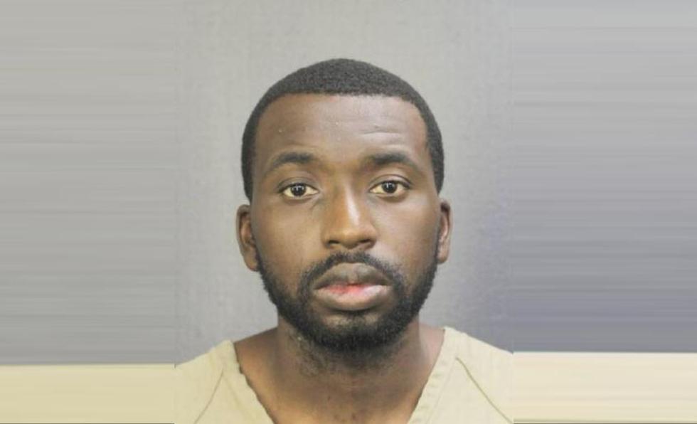 Arrestan a profesor que tocó inapropiadamente a menor de 7 años en una escuela de Miami. (Policía Condado Broward)