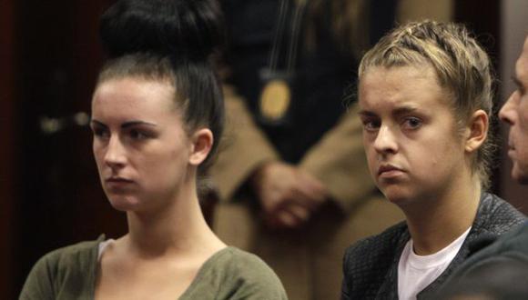 Michaella McCollum Connolly y Melissa Reid en la corte del Callao en una audiencia anterior. (AP)