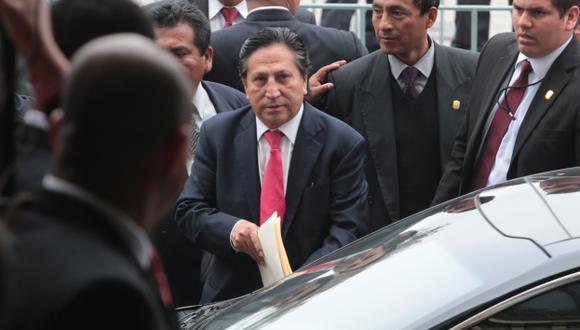 En sus manos. La suerte del expresidente Toledo se verá esta mañana en Fiscalización. (Martín Pauca)