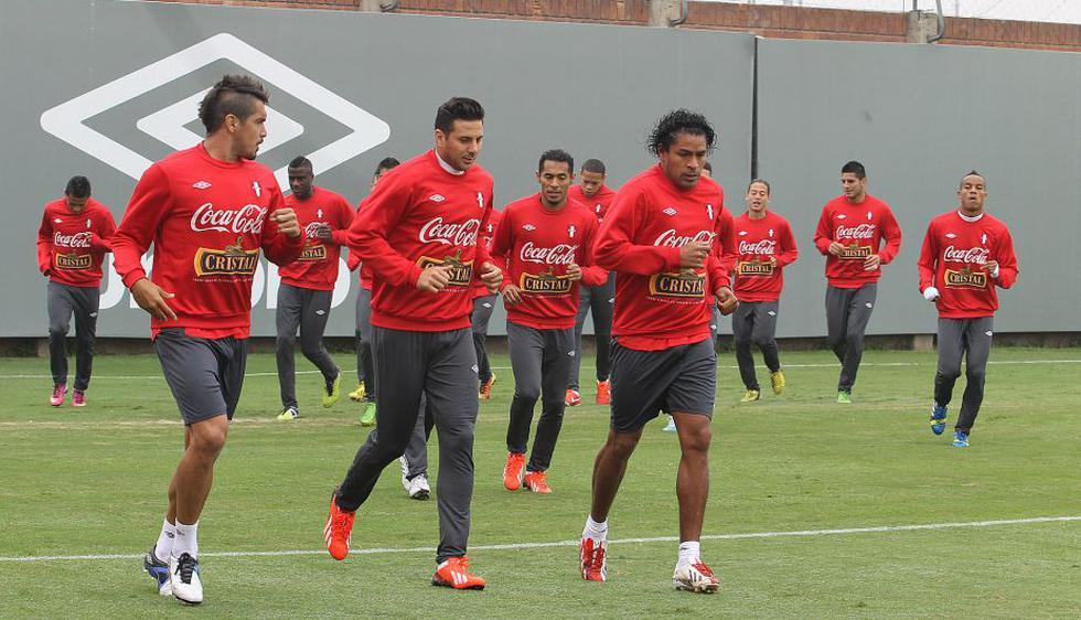 Juan Vargas y Claudio Pizarro encabezan el plantel que entrena en la Videna. (Difusión)