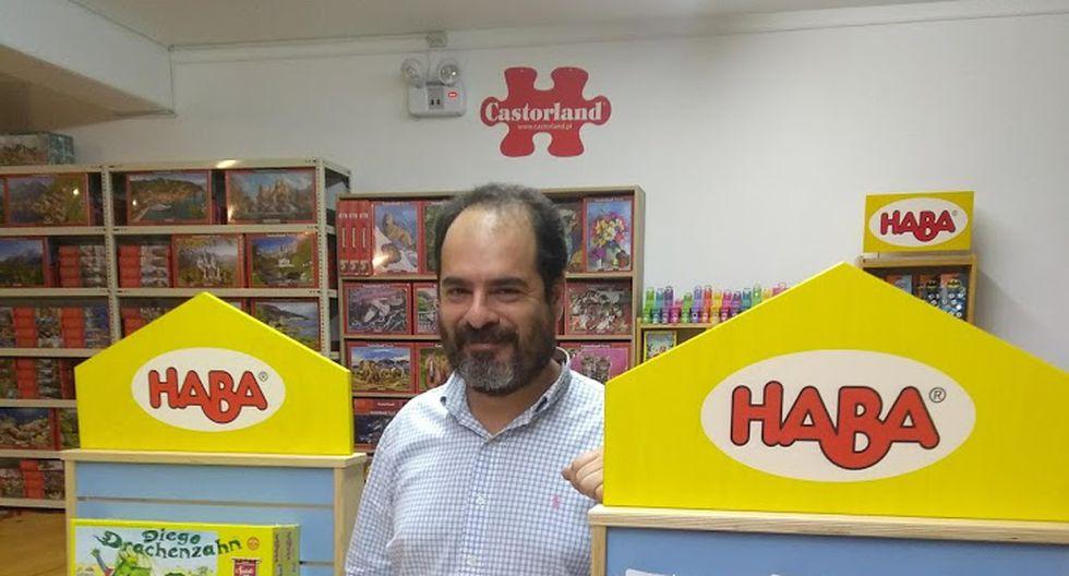 Francis Prentice, gerente general de Día-D Juegos, nos comenta que este negocio empezó como un hobby para él.