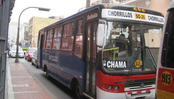 Bus de Chama pintado de azul. (César Takeuchi)