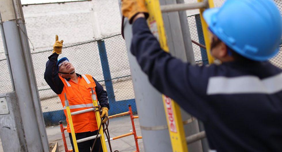 La ingeniera Karen Manrique, representante de Enel, informó que comprobó que estas fábricas venían hurtando electricidad a través de cables subterráneos. (Foto: Enel/ Referencial)