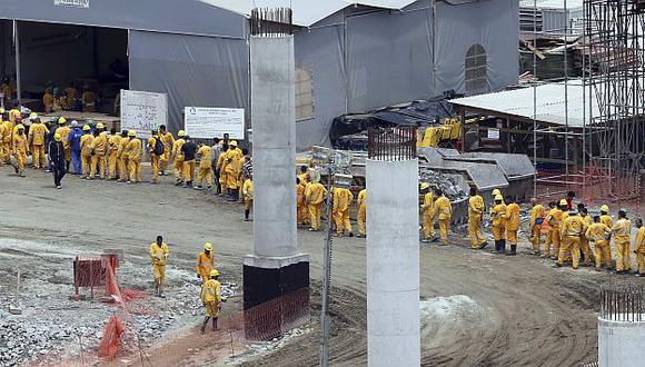 Trabajadores eran retenidos sin alimentación adecuada y en condiciones insalubles. (Reuters)