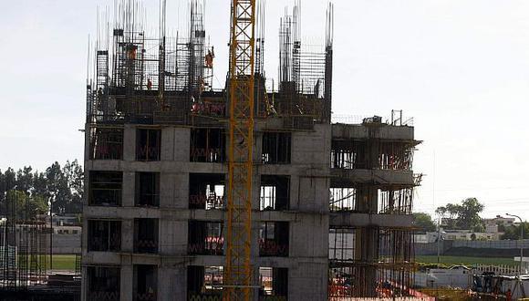 Para cerrar la brecha en infraestructura se requiere una inversión anual de US$9,000 millones. (Perú21)