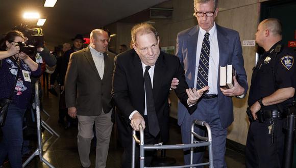 Harvey Weinstein llegó al tribunal de Nueva York caminando con la ayuda de un andador. (Foto: EFE)