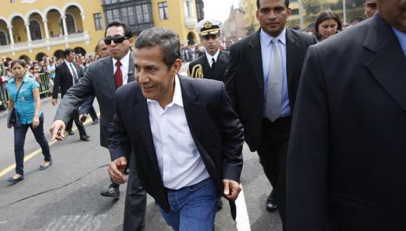 Pone el pecho. Jefe de Estado asegura que su esposa no gastó un sol porque viajó con los ministros. (Luis Gonzales)