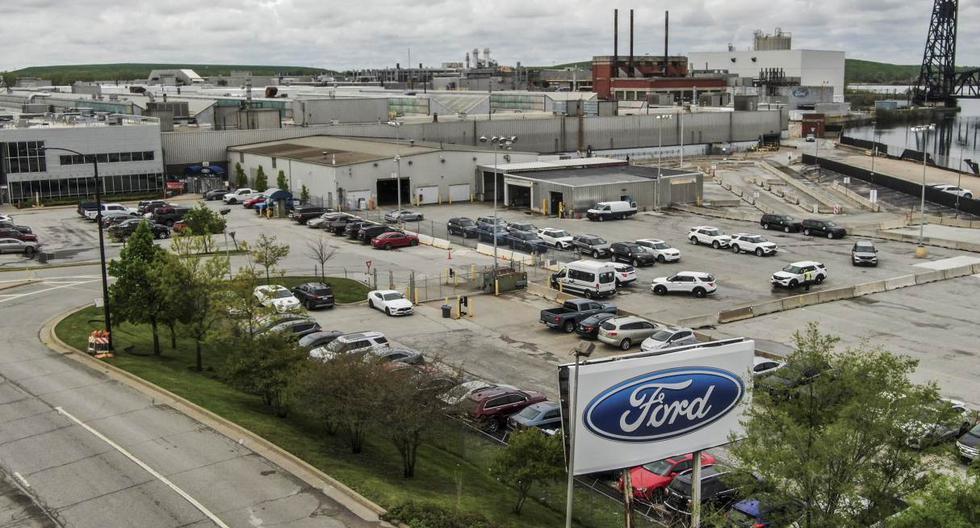 Imagen refernecial. Una foto aérea hecha con un dron muestra la planta de ensamblaje de Ford en Chicago. (EFE/EPA/TANNEN MAURY).