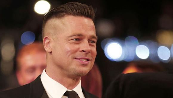 Brad Pitt se luce con nuevo look al estilo 'mohicano'. (Internet)