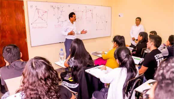 Los jóvenes podrán postular a una de las 150 becas para en el centro preuniversitario de Decana de América.
