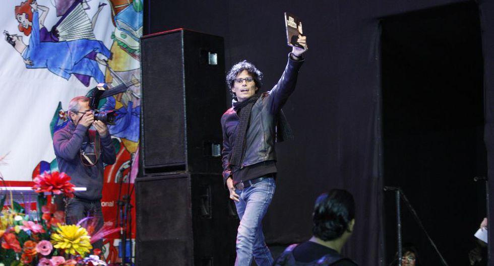 El músico fue ovacionado por sus fans a su ingreso a la sala. (Luis Gonzales/Peru21)