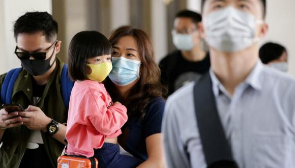 Donald Trump pidió calma a la ciudadanía de Estados Unidos, tras registrarse el primer deceso por el coronavirus en la ciudad de Seattle (Foto: AFP)