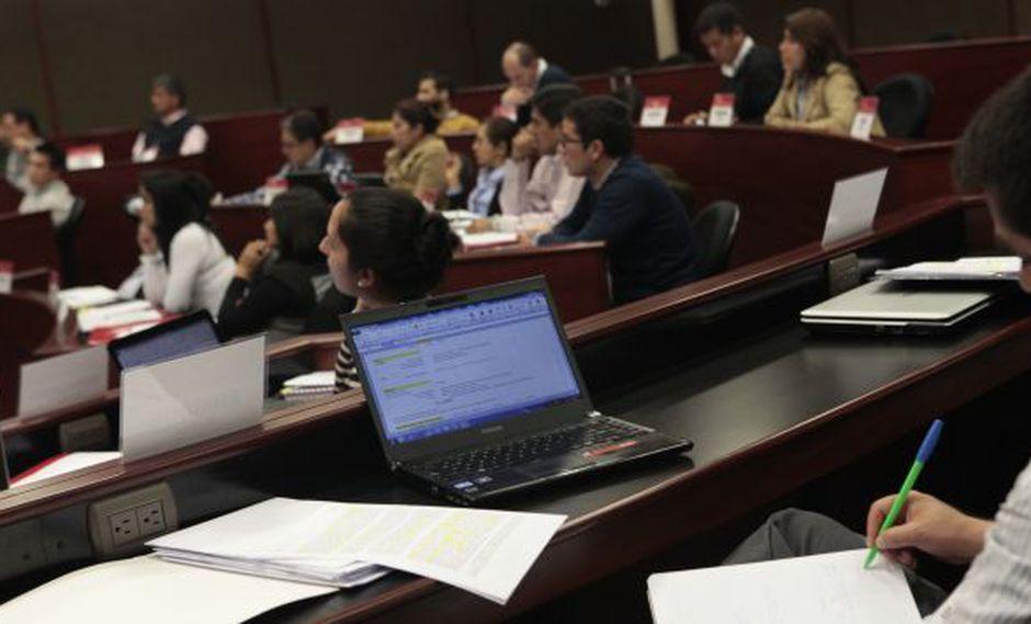 Concytec ofrece 390 becas de maestría y doctorado a profesionales peruanos. (Perú21)