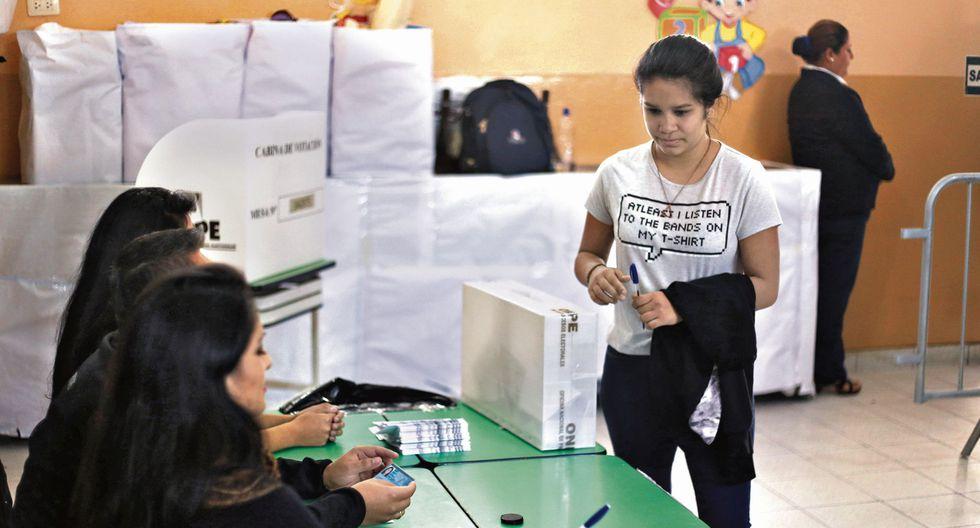 A decidir bien. Los jóvenes son un sector vulnerable a la desinformación de propuestas electorales. (USI)