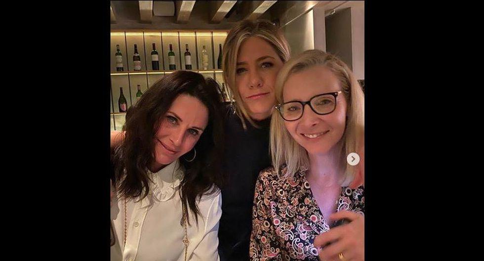 Jennifer Aniston, Courteney Cox y Lisa Kudrow se reunieron y les piden el retorno de 'Friends'. (Instagram)