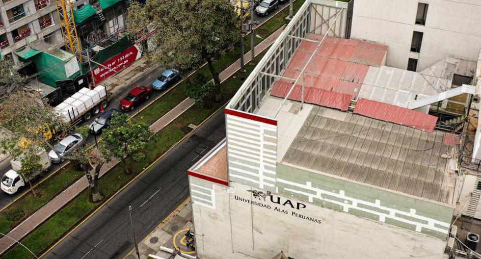 Estructura simula un inexistente piso a la construcción original. (Foto: Daniel Apuy / GEC)