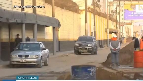 Obras hacen que tránsito de autos sea lento por la Av. Andahuaylas. Foto: captura