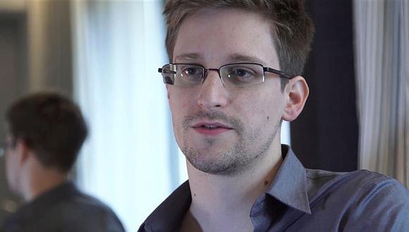 Edward Snowden se encuentra en el aeropuerto de Moscú hace 19 días. (AP)