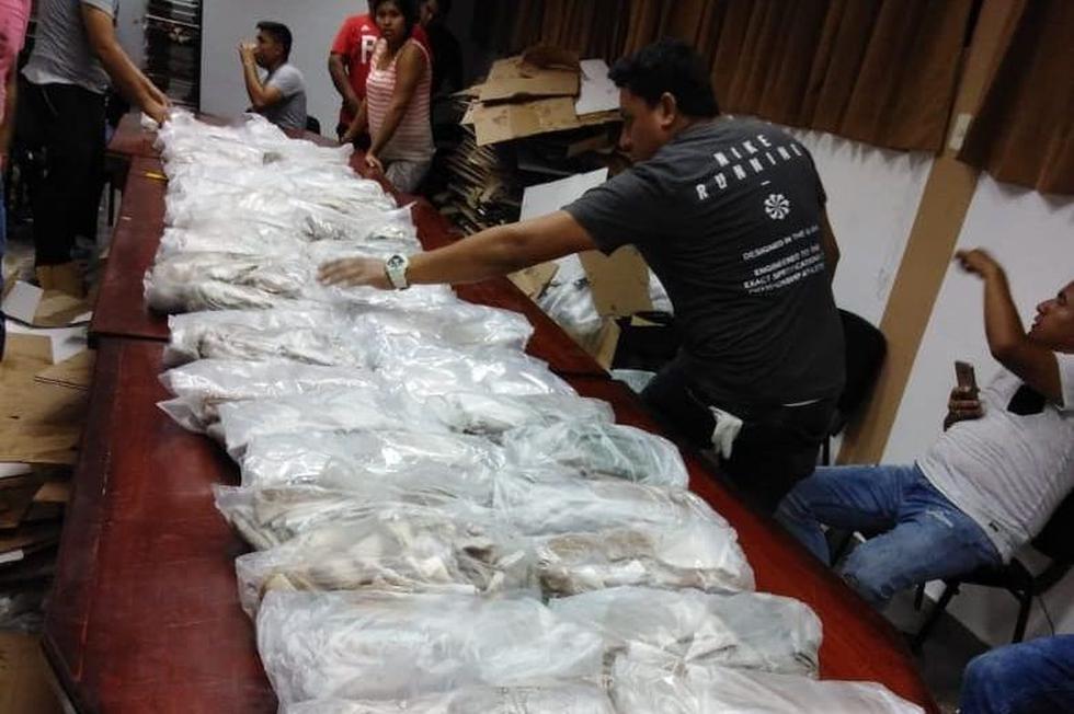 La Policía incautó ayer más de 157 kilos de clorhidrato de cocaína en una casa de Paita. La droga estaba acondicionada en cajas de cartón.