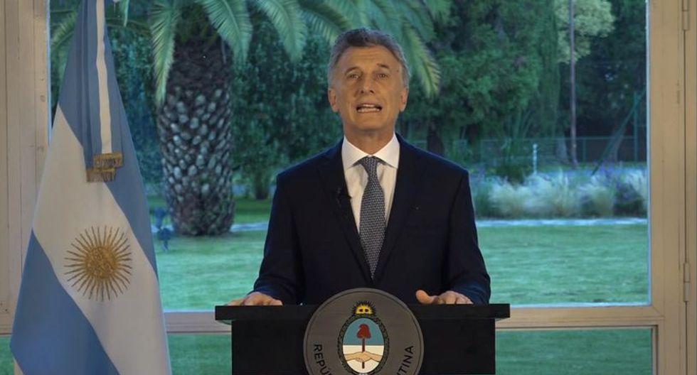 Macri recordó que hace dos años y medio se presentó un proyecto de ley para endurecer las penas contra quienes cometan actos violentos en el fútbol.   Foto: EFE