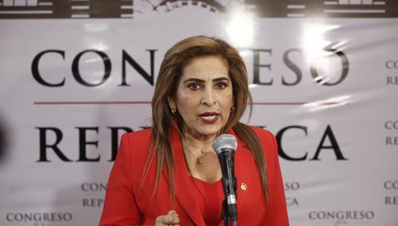 Maritza García (Renzo Salazar)