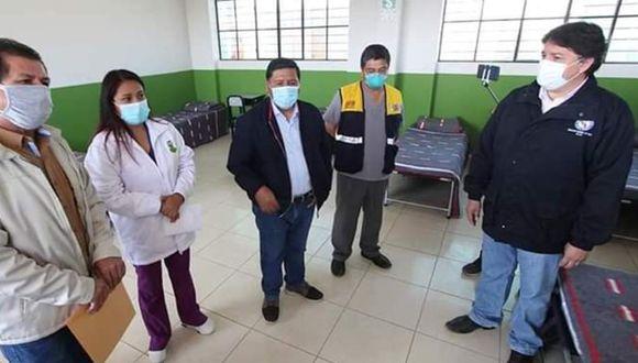 Ica: El gobernador regional de Ica, Javiero Gallegos, acompañado de otras autoridades inauguró otro albergue para pacientes COVID-19 en el distrito de Salas. (Foto Diresa Ica)