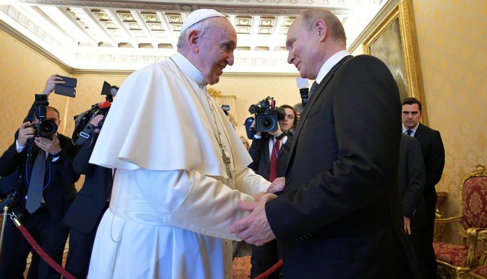 Vladimir Putin en Roma se reúne con el papa Francisco en el Vaticano. (Foto: Reuters)