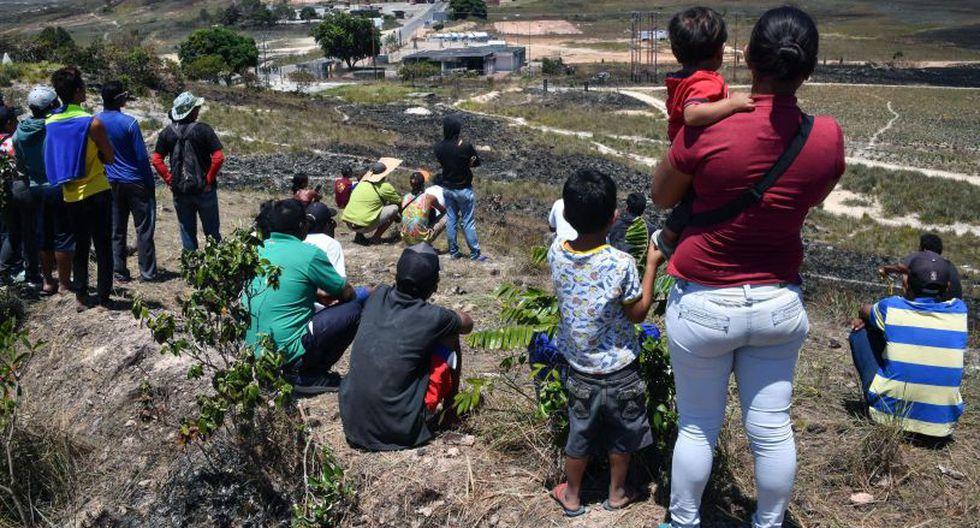 Esos desvíos se volvieron la única opción desde que el líder chavista Nicolás Maduro ordenó el jueves pasado bloquear la frontera. (Foto: AFP)