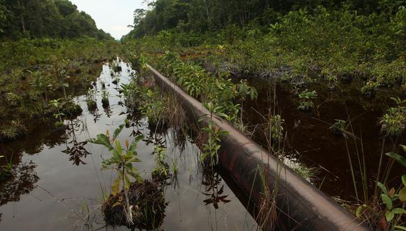 Los derrames de petróleo, por ejemplo, generan pasivos ambientales. En la imagen, un incidente en Morona, Loreto, en 2016. (Foto: USI)