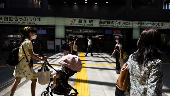 El estado de emergencia nipón nunca ha conllevado confinamiento, aunque las autoridades pedían a la población limitar sus salidas. (Foto: Yuki IWAMURA / AFP)