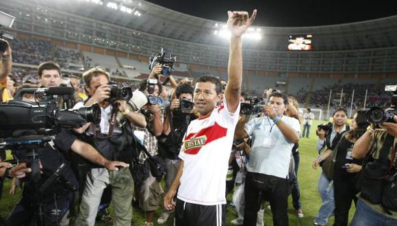 INOLVIDABLE. Palacios ofreció destellos de su magia para alegría del público que acudió al estadio. (Martín Herrera/USI))