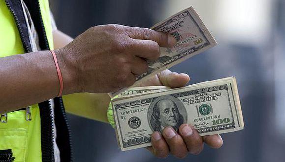 Hoy el dólar se vendía a S/3.324 en el mercado paralelo. (Foto: GEC)
