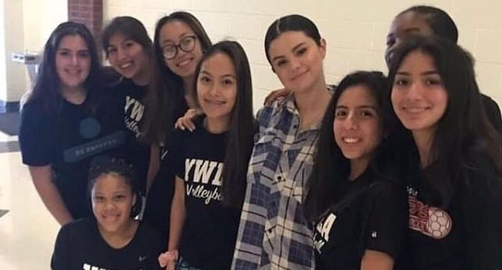Selena Gómez realizó una visita sorpresa a su antigua escuela en Texas. (Foto: Instagram)