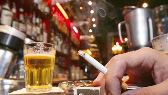 La especialista del Minsa, aclaró que el alcohol en una concentración del 60% actúa como desinfectante para la piel, sin embargo, no tiene el mismo efecto cuando se consume (Foto: archivo GEC Infomercados)