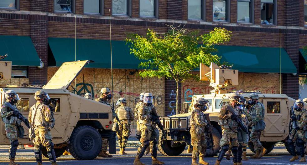 Soldados de la Guardia Nacional patrullan en Minneapolis, Minnesota, el 29 de mayo de 2020. (Kerem Yucel / AFP).